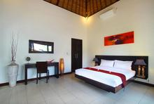 Villa Calypso - Perfect Getaway in Batu Belig - 11