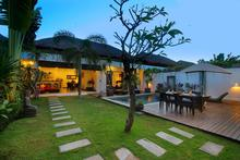 Villa Calypso - Perfect Getaway in Batu Belig - 4