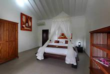 Villa Tabatha - A Cozy Wooden 4 Bedrooms Villa - 14
