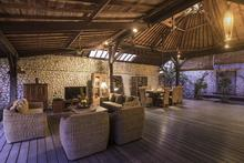 Villa Tabatha - A Cozy Wooden 4 Bedrooms Villa - 9