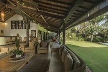 Villa Tabatha - A Cozy Wooden 4 Bedrooms Villa - 8