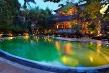 The Jessica Estate - 9 BR Family Villa in Canggu