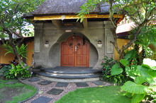 Naga Maya House Kamboja - 2 Bedrooms Picturesque Villa in Legian - 3