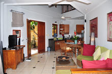 Naga Maya House Kamboja - 2 Bedrooms Picturesque Villa in Legian - 6