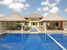 Villa Hana + Villa Asante - Stunning Eight Bedroom Villa in Canggu