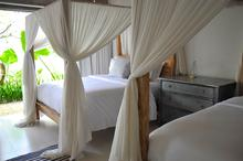 Santai Beach House - 3 BR Beautiful Villa Covered with Tropical Vibe - 18