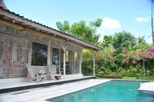 Santai Beach House - 3 BR Beautiful Villa Covered with Tropical Vibe - 7