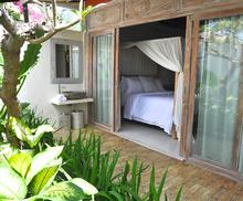 Santai Beach House - 3 BR Beautiful Villa Covered with Tropical Vibe - 8