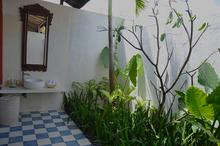 Santai Beach House - 3 BR Beautiful Villa Covered with Tropical Vibe - 11