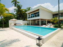 Amilla Residence 5 - 4 Bedroom Uber Chic Beachfront Villa
