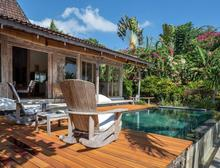 Santai Beach House - 3 BR Beautiful Villa Covered with Tropical Vibe - 2
