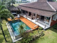 Santai Beach House - 3 BR Beautiful Villa Covered with Tropical Vibe - 1