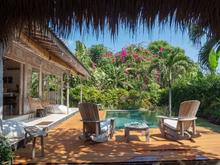 Santai Beach House - 3 BR Beautiful Villa Covered with Tropical Vibe - 3
