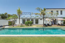 Villa Hasian - 5 Bedroom Villa with a fancy sunny colors In Seminyak - 9